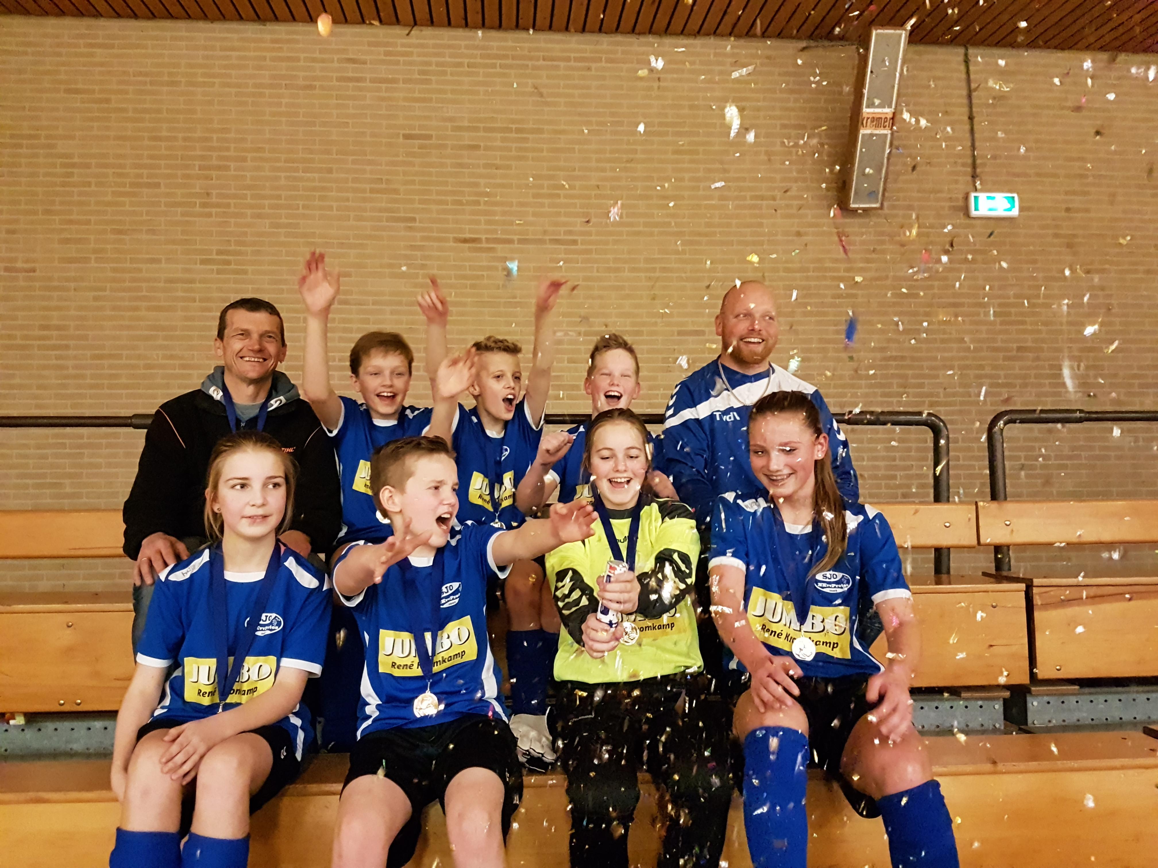 JO13-1 Kampioen zaal (14)