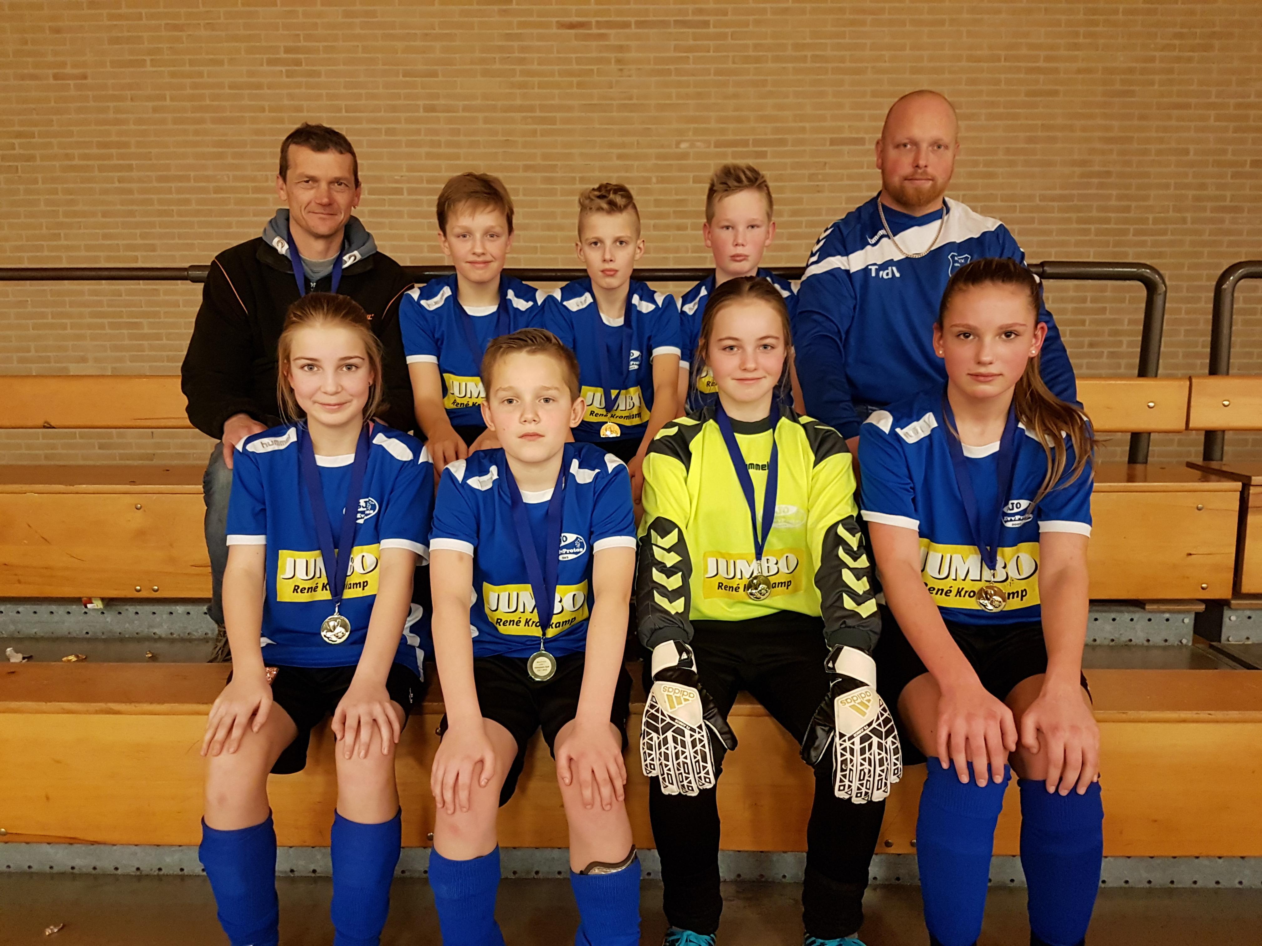 JO13-1 Kampioen zaal (9)